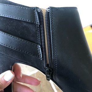 Unisa Shoes - Black dressy booties (brand new)
